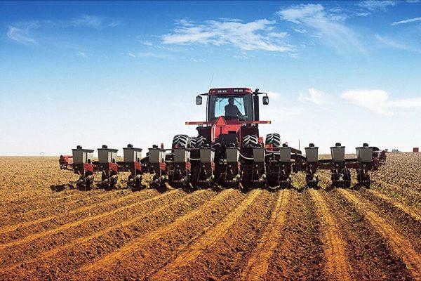Обеспечение безопасности вашего трактора и сельскохозяйственной техники с GPS-трекерами