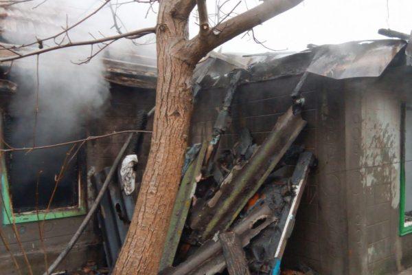 В Запорожском районе в огне погибли дети: их мать повесилась (ФОТО)