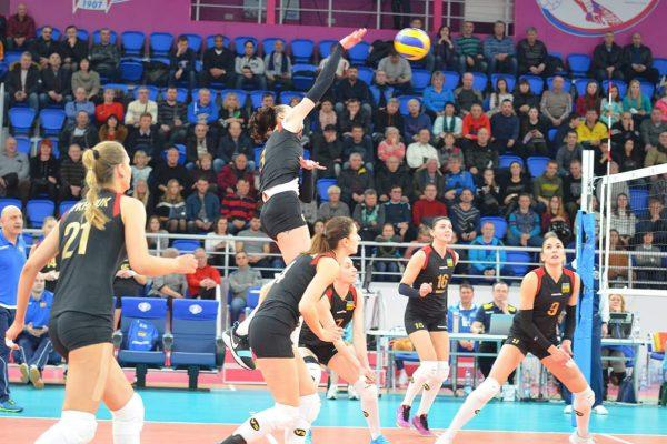 Мужская и женская сборные Украины по волейболу вышли на Чемпионат Европы-2019 (ФОТО)