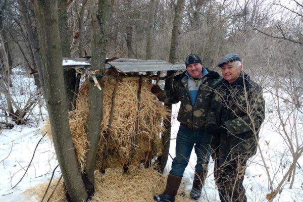 Лесничие Запорожской области накормили диких животных (ФОТО)