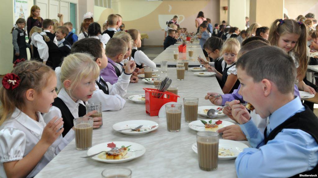 Запорожский депутат по пунктам рассказал, почему против возврата бесплатного питания в школы