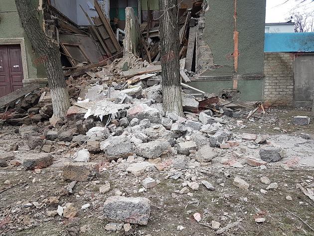 В Запорожской области обрушилось здание бывшего завода (ФОТО)