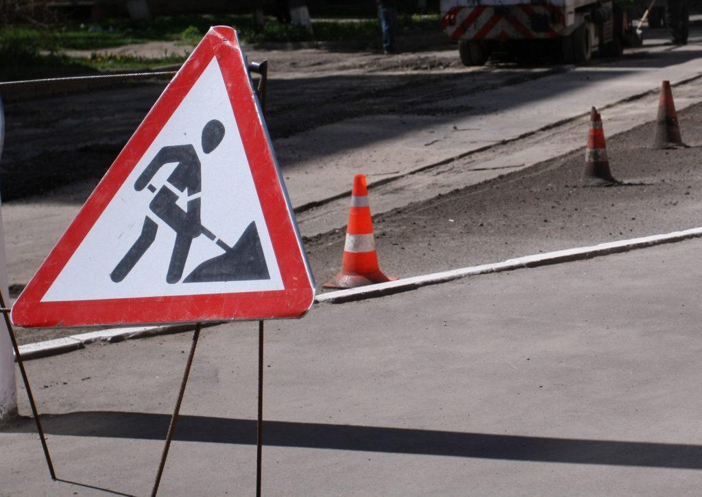 Мэр Запорожья пообещал, что в мае начнется масштабный ремонт дорог