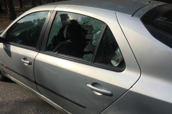 В Запорожье на Хортице за полчаса обворовали три авто (ФОТО)