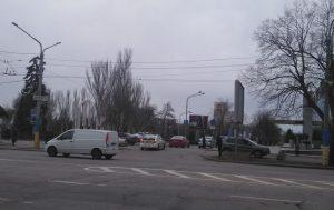 В Запорожье патрульные и BMW устроили гонки вокруг фонтана на Фестивальной (ФОТО, ВИДЕО)