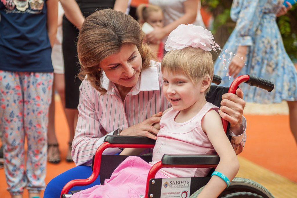 Завтра Марина Порошенко примет участие в высадке аллеи роз на Хортице