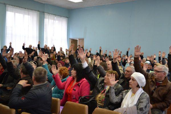 Отжим земли для нужд карьера: громада Вольнянска требует снять главу райадминистрации  Иванова (ФОТО, ВИДЕО)