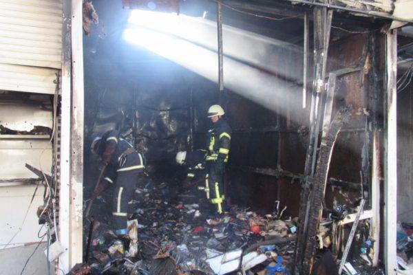 В Запорожье произошел пожар на Центральном рынке (ФОТО, ВИДЕО)
