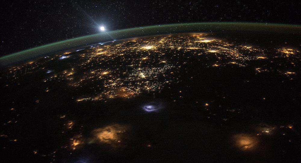 Безмятежность на одном снимке: Азовское море запечатлели из космоса (ФОТО)