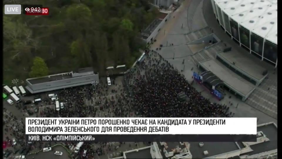 Final-party порохоботов или «Додай драйву»: Порошенко продебатировал сам с собой перед «Олимпийским» (ФОТО)