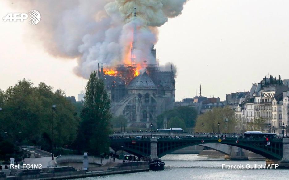 Пожар в соборе Парижской Богоматери: где остановили огонь (ФОТО, ВИДЕО)