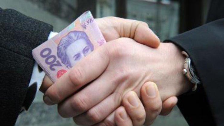 В Запорожье водитель хотел дать патрульному взятку в размере 200 гривен (ФОТО)