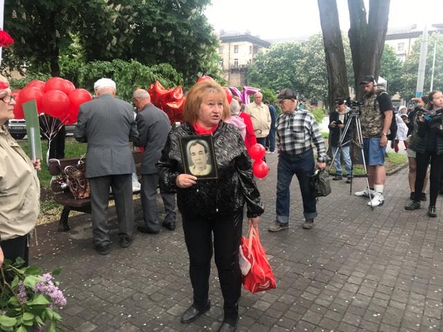 В центре Запорожья собираются участники акций «Полка победы» и «Бессмертного Грута» (ФОТО)