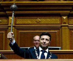 Зеленский заявил о первых кадровых решениях и распустил Верховную Раду