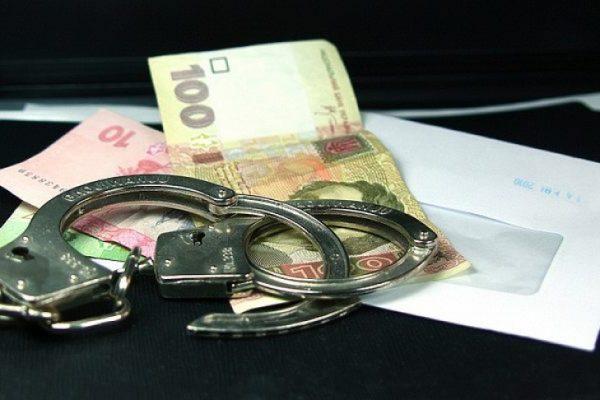 Вымогал у бывшей жены 40 тысяч: в Запорожье задержали сотрудника военкомата (ФОТО)