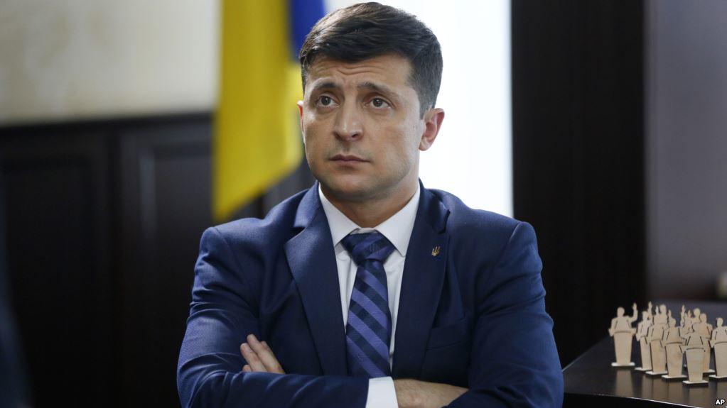 «Вам еще паспортный контроль проходить»: Зеленский обвинил Порошенко (ВИДЕО)