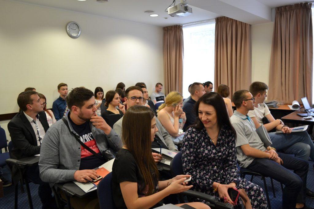 В Запоріжжі молодь зі всієї України вчиться європейській політиці (ФОТО)