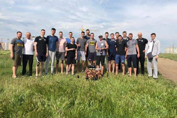 Украинские волейболисты оригинально поздравили своего тренера