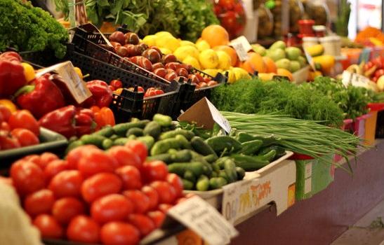 Редис, картошка и клубника: в Запорожье и области изъяли 17 тонн овощей с нитратами