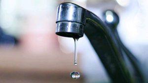 В Запорожье утром из кранов бежала вода цвета «Кока-колы» (ВИДЕО)