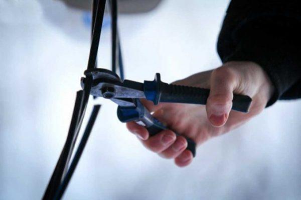 В Запорожье патрульные поймали вора кабеля