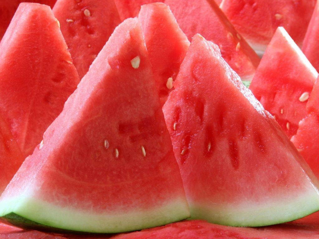 Роскошное удовольствие: запорожцев шокировали цены на арбузы