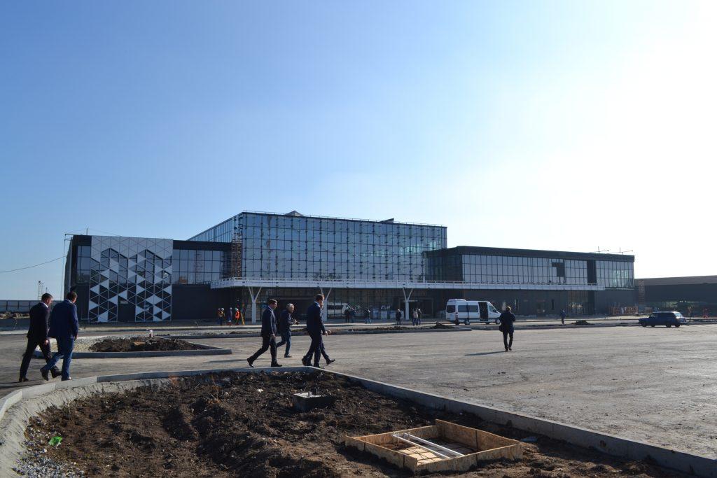 Запорожский аэропорт и трасса на Мариуполь: что сделано и сколько потрачено (ФОТОРЕПОРТАЖ)