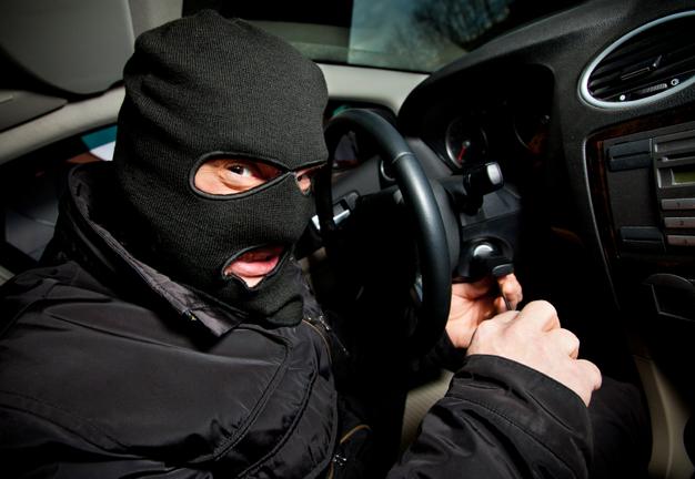 Не вынес урок: запорожский взломщик авто после домашнего ареста снова взялся за старое и получил срок