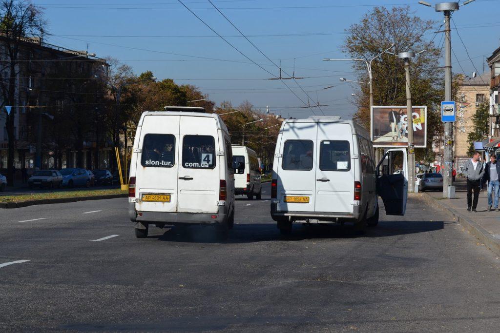 Пассажир пристыдил водителя маршрутки в Запорожье (ВИДЕО)