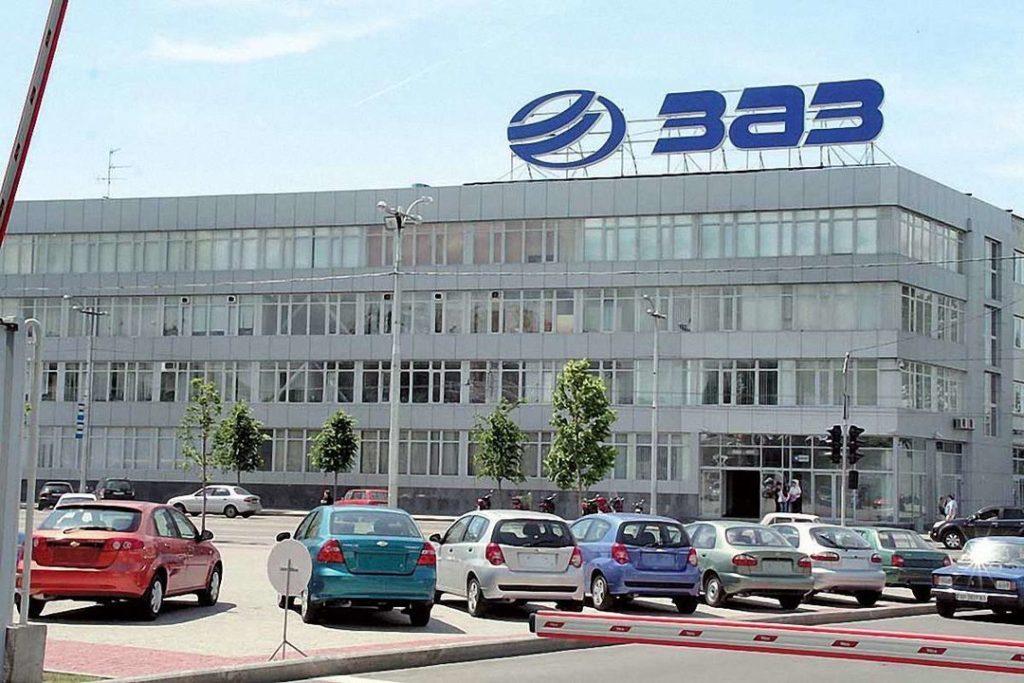 На ЗАЗе начинают собирать первые Lada: из РФ идут поставки машинокомплектов