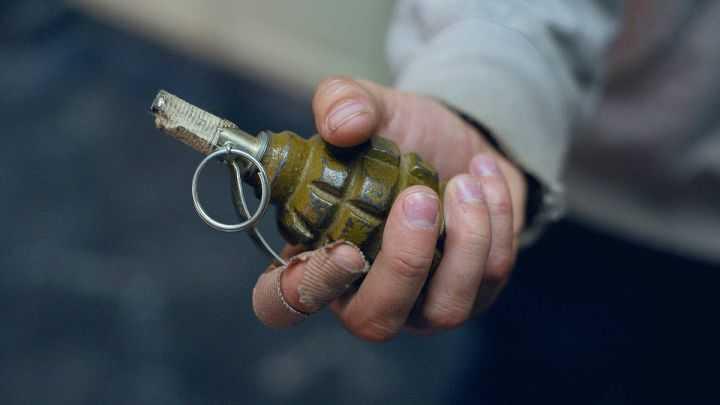 В Запорожской области в руках пенсионера взорвалась граната