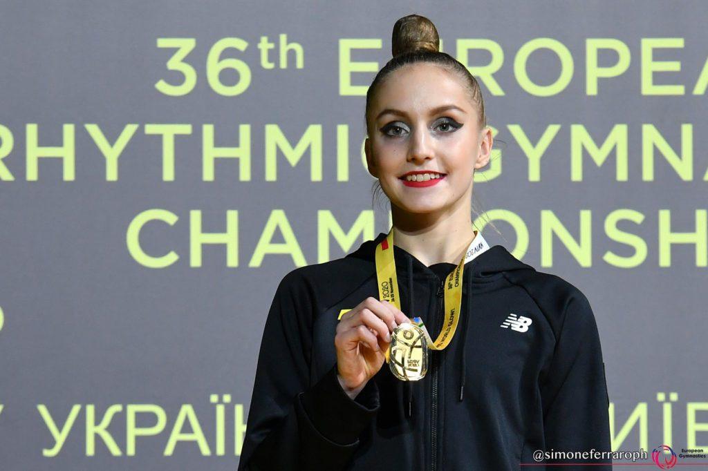 Юная запорожанка Полина Карика стала чемпионкой Европы по гимнастике (ВИДЕО)