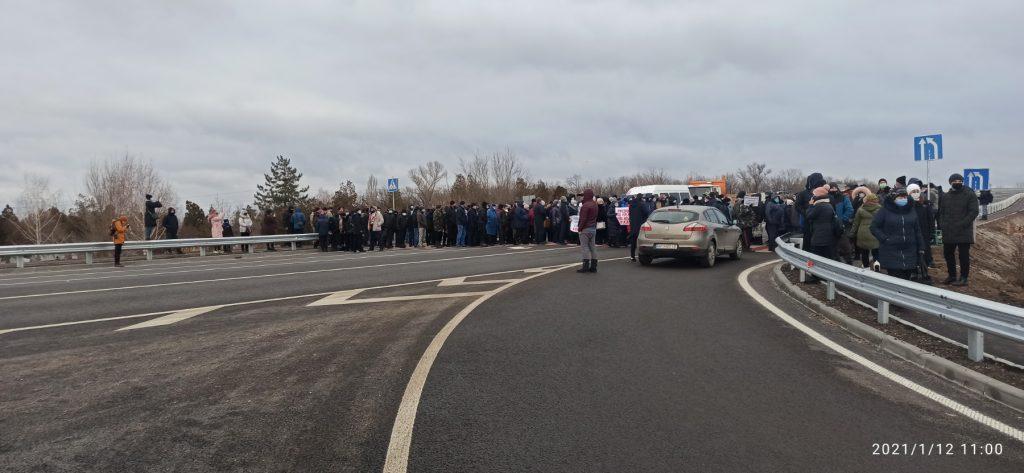 В Запорожской области жители перекрыли ключевую трассу из-за строительства каолинового карьера (ФОТО, ВИДЕО)