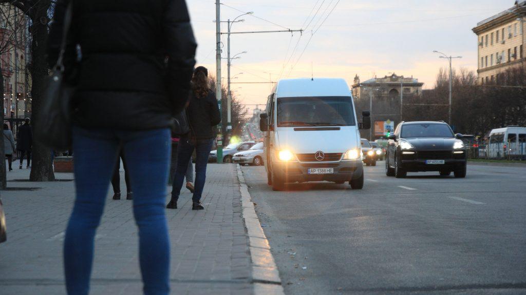 В Запорожье просят запустить транспорт между двумя микрорайонами