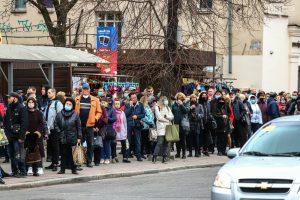 И.о. мэра Запорожья пригрозил введением более жестких мер после поездки в маршрутке