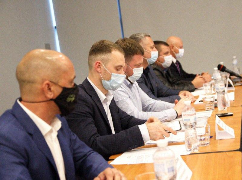 Мэр Энергодара и заммэра объявили войну коммунальщикам: их руководство созвало конференцию