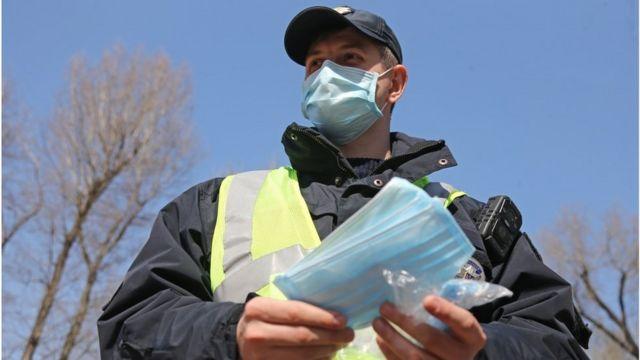 Сотни штрафов за неделю: около 470 запорожцев оштрафовали за отсутствие маски