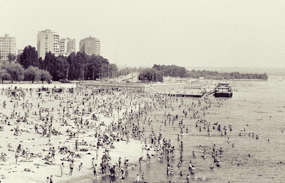 Как с 1959 года менялся центральный пляж Запорожья: подборка ФОТО в разные годы