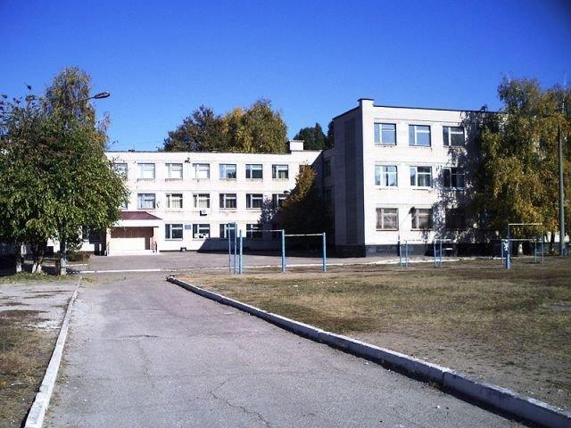 В запорожской школе объявили дополнительный набор детей в первый класс