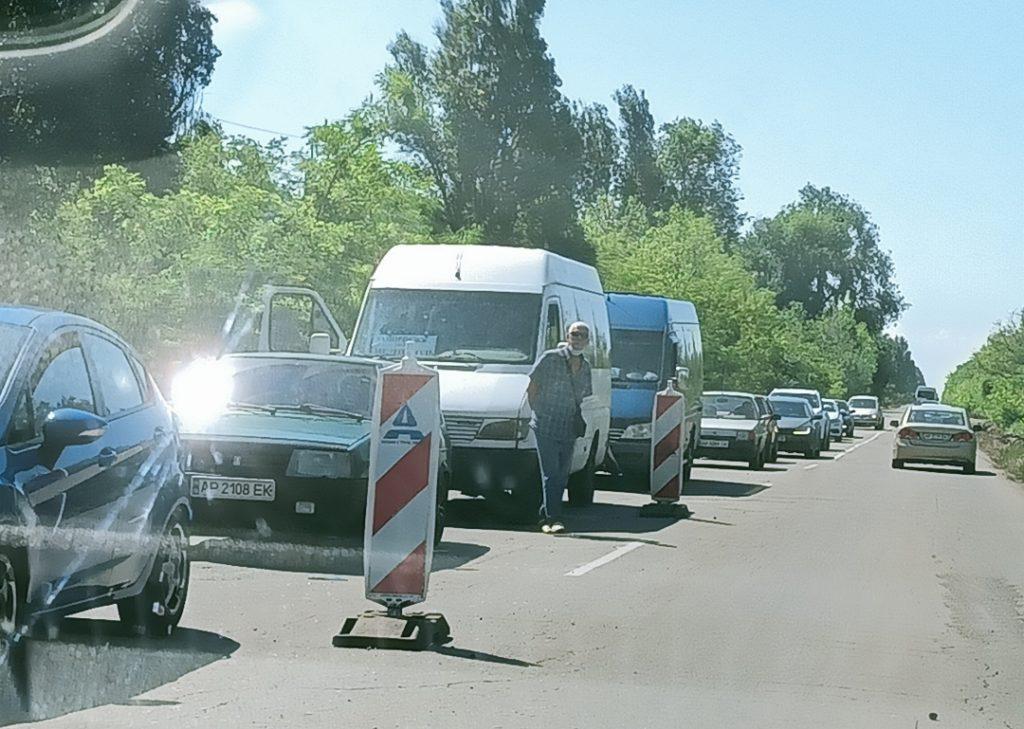 На пути в Кирилловку остался один участок дороги с пробками (ФОТО, ВИДЕО)