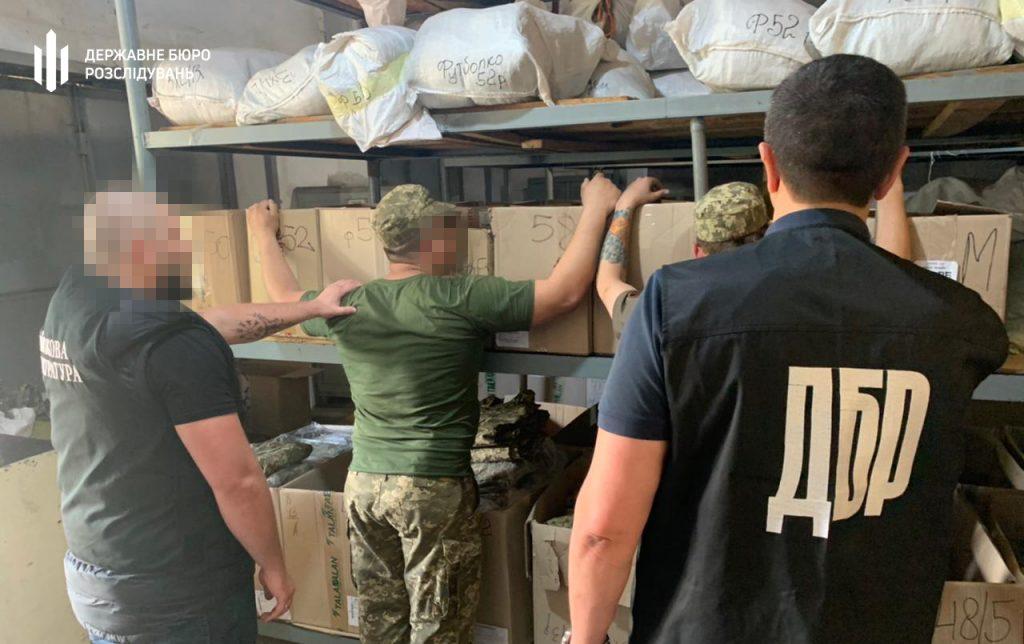 Корыстное преступление: в Запорожье ГБР задержало военных «на горячем» (ФОТО)