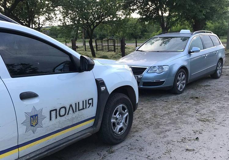 В Запорожской области пьяный таксист пытался откупиться от копов (ФОТО)