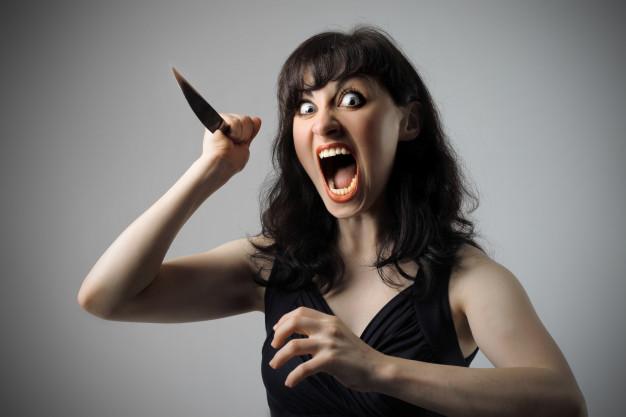 В Запорожье женщина нанесла более 150 ножевых ударов своей жертве: её судили