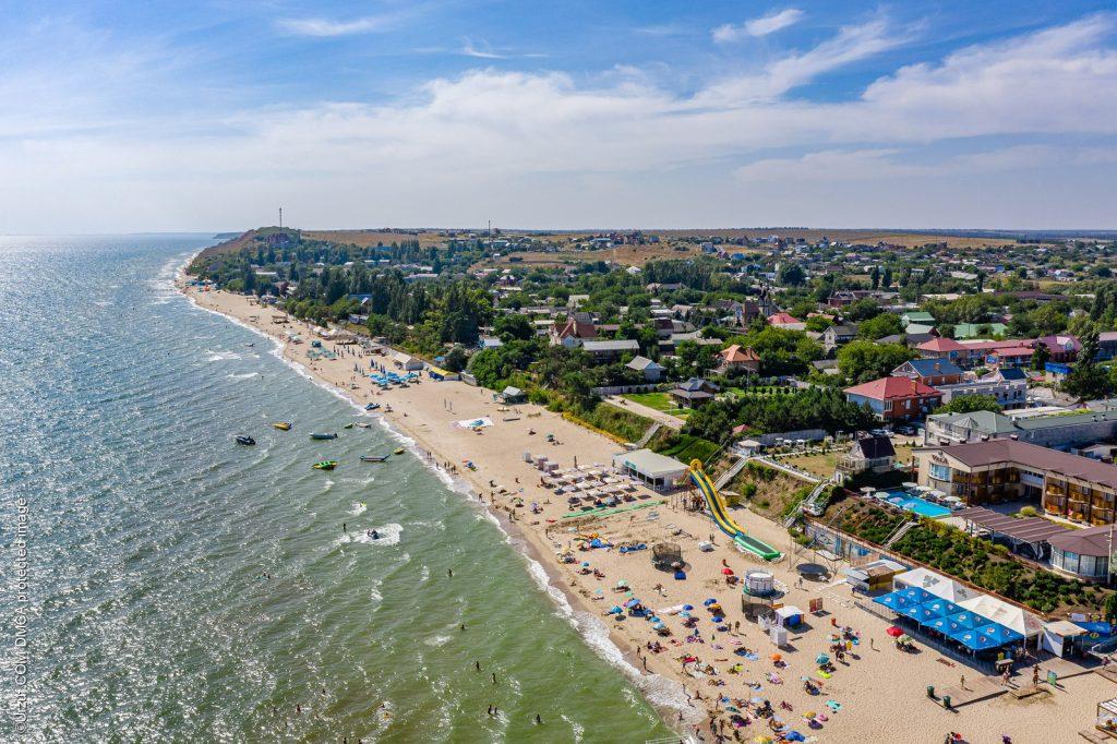 Азовское море: в Урзуфе решили проблему с проходом к пляжам