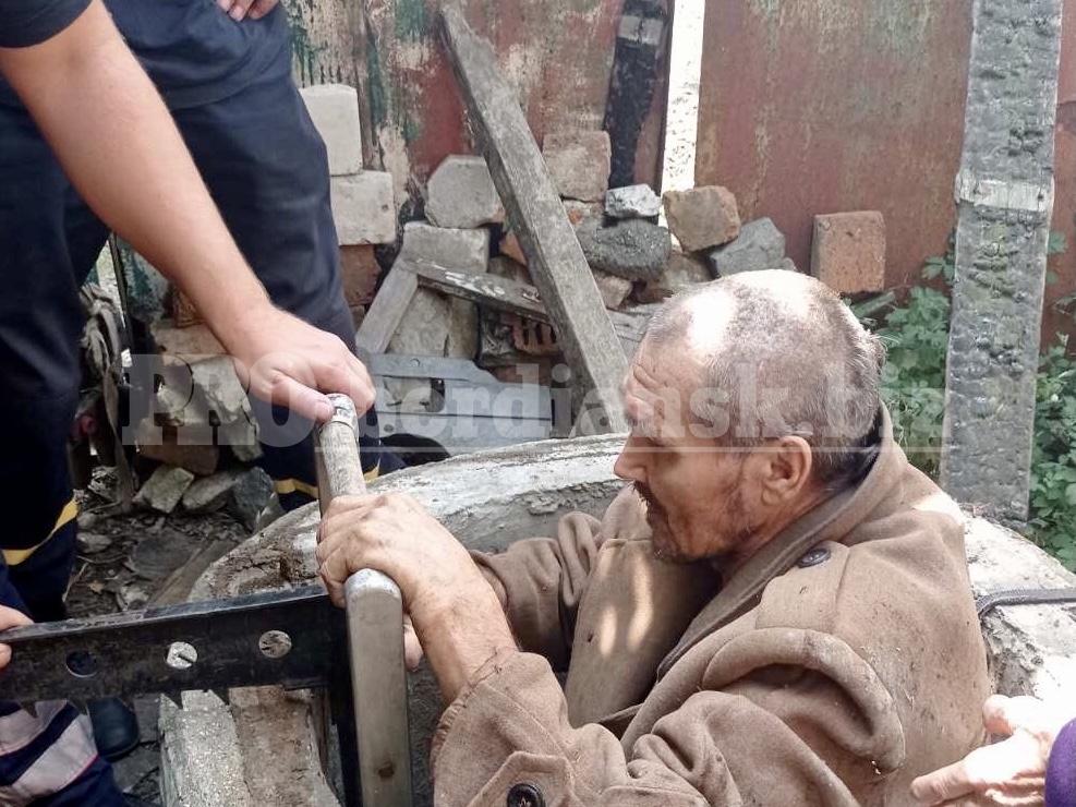 В Запорожской области мужчина упал в 12-метровый колодец (ФОТО)