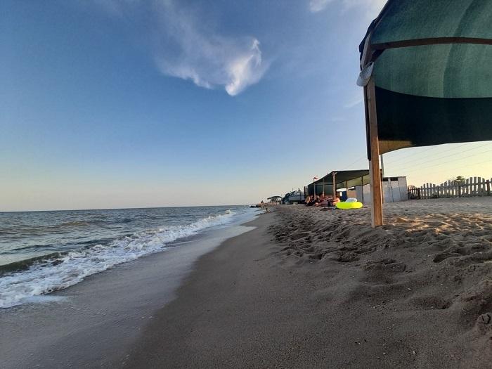 На каком пляже Бердянска нет медуз (ВИДЕО)