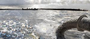 На грани экокатастрофы: почему запорожцам не рекомендуют купаться в Днепре