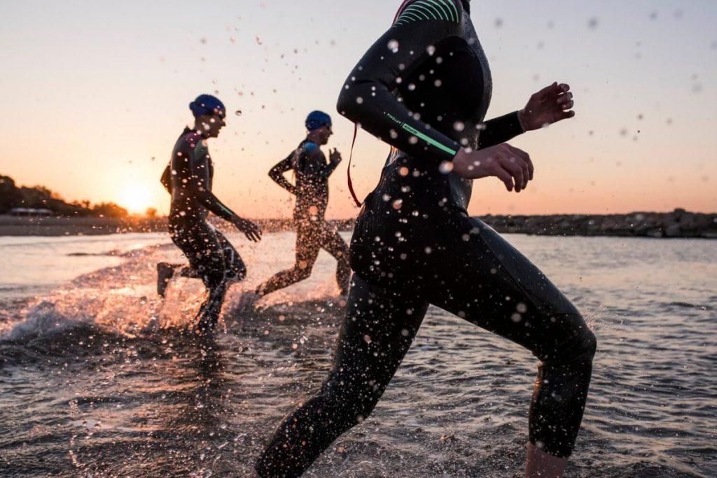 В МОЗ рекомендуют купаться в гидрогостюмах на запорожских курортах
