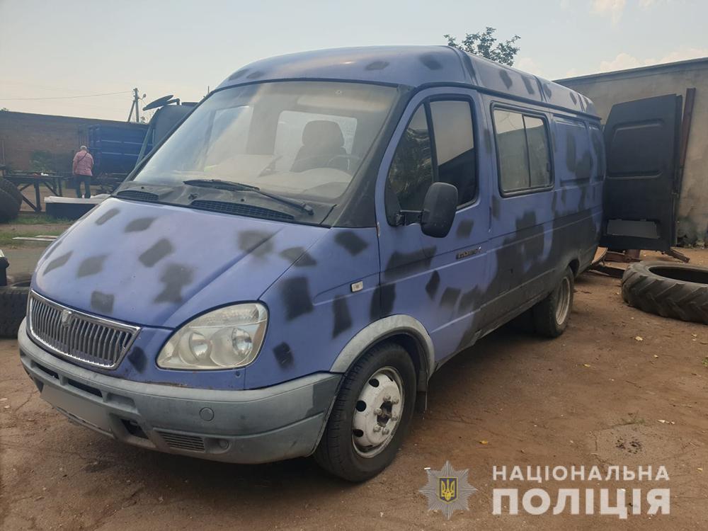 Пьяный мужчина поскандалил с женой и переехал ее на авто в Мелитополе (ФОТО)
