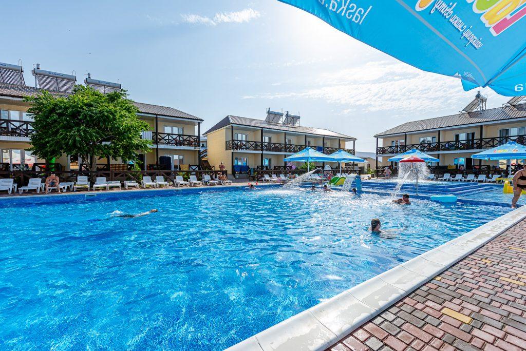 В Кирилловке назвали 7 лучших баз отдыха и лагерей